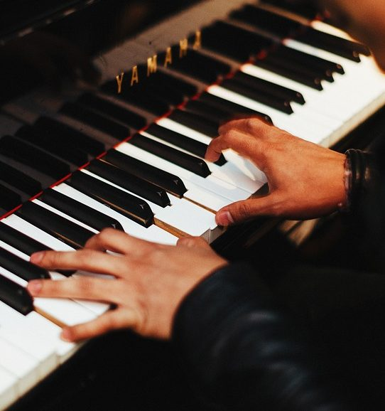 Online piano spelen met je toetsenbord gratis en echt for Strumento online gratuito piano piano
