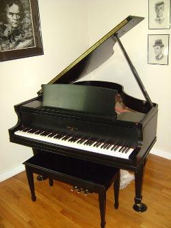 tweedehands piano kopen
