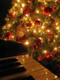 kerstliedjes op de piano
