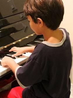 kind op piano
