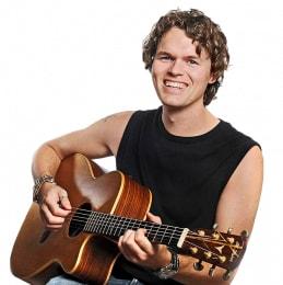 koen met gitaar