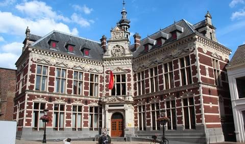 Het Academie gebouw in Utrecht